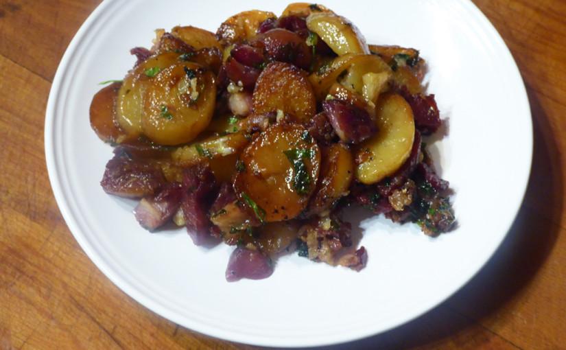 Brambory sarladaise včeské verzi | Tedy brambory ala sarladaise vmasitější podobě | Francouzi, nekamenujte mě prosím