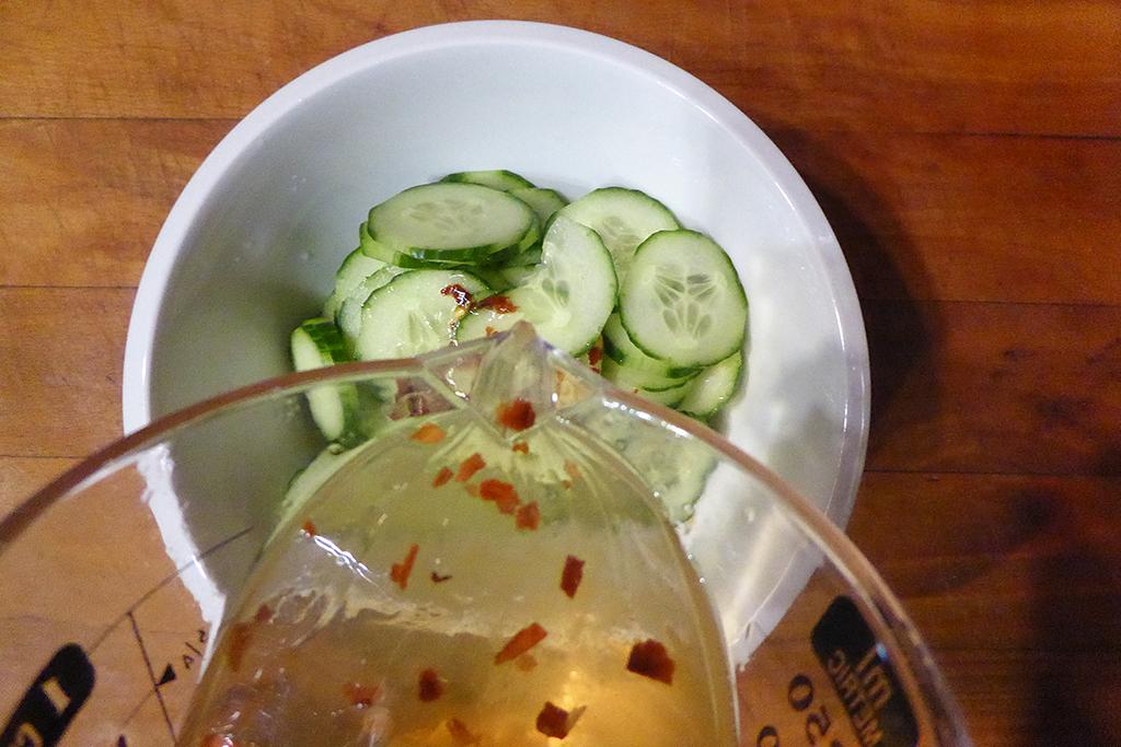 Zálivku zalijeme na okurky.
