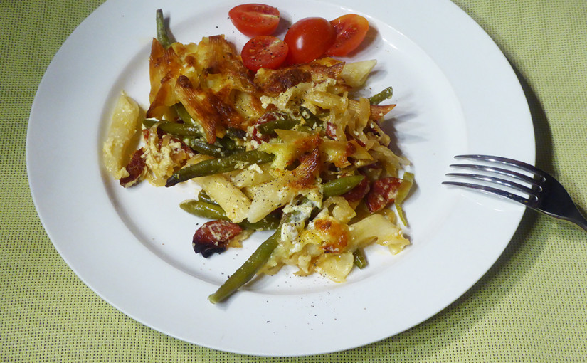 Baked penne with sausage and beans | Svižná večeře
