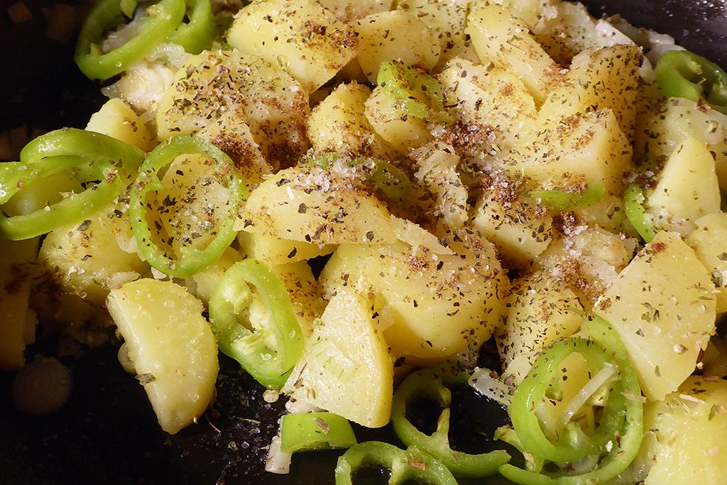 Přidáme papriku a brambory
