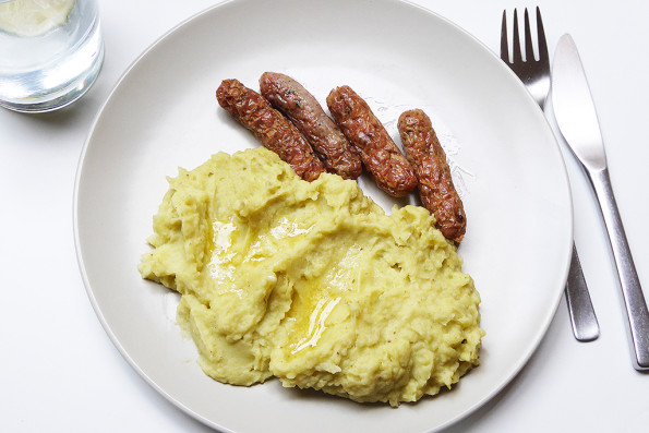 To cultivate porridge served sausages