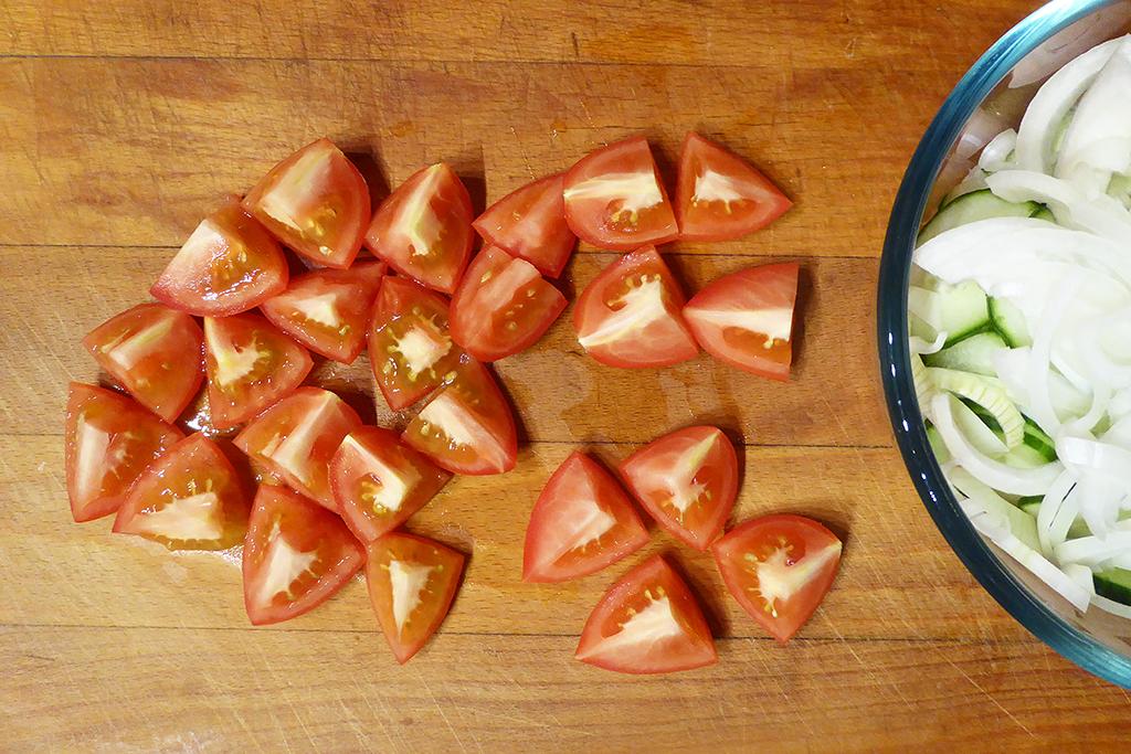 Překrájíme rajčata