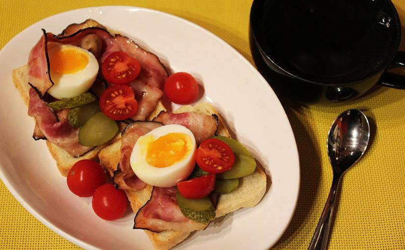 Skotská snídaně s anglickou slaninou | Mezinárodní improvizace