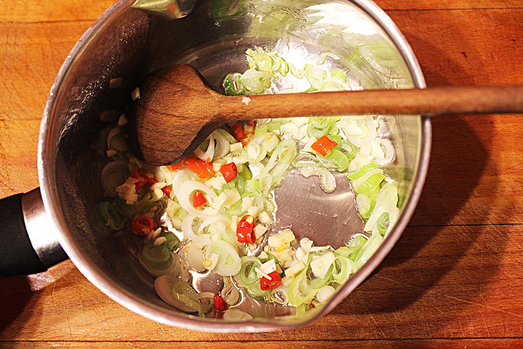 Česnek s chilli