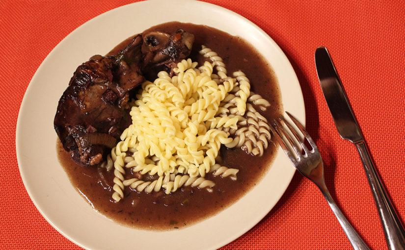 Chicken in wine sauce (Coq au Vin) | Alsaská inspirace z Lotrinska