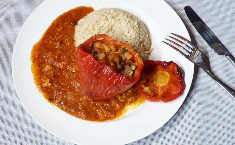 Papriky plněné taliány | Zalité rajčatovou omáčkou