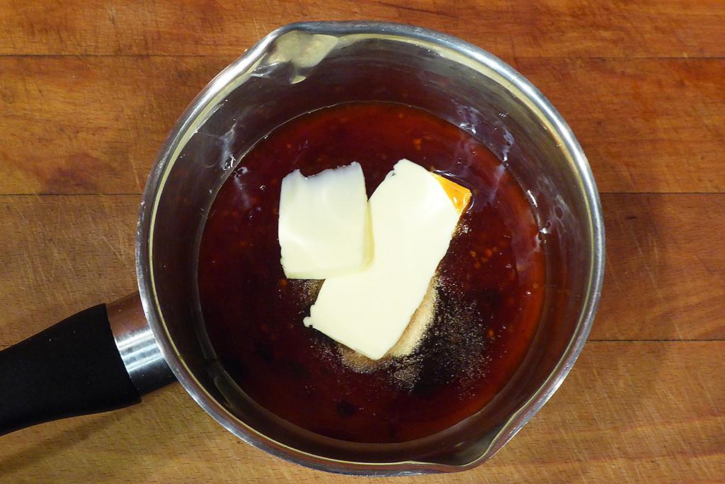 Omáčka krok 5 - přidáme máslo