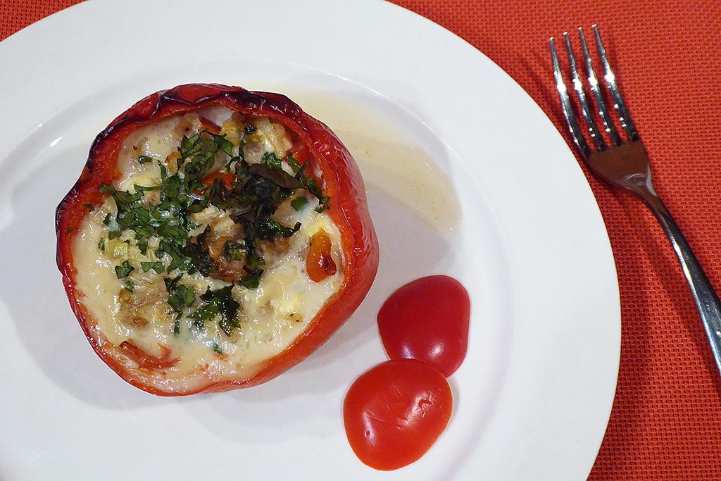 Paprika plněná masem a nivou
