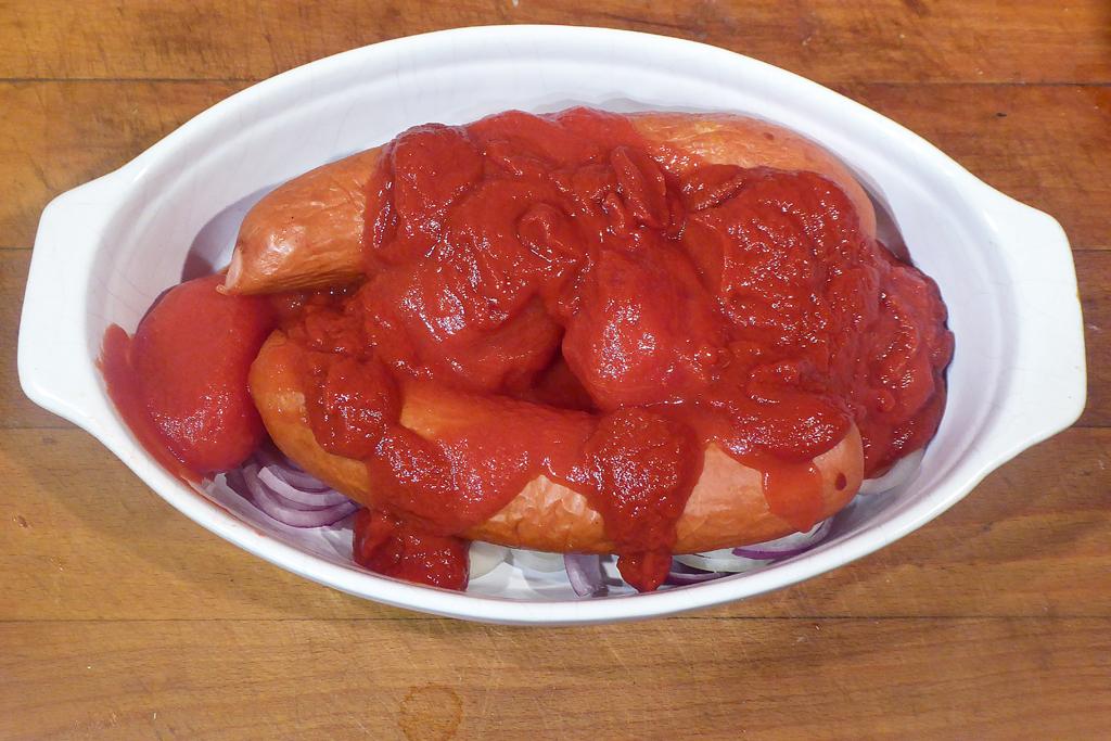 Přidáme rajčata a pyré