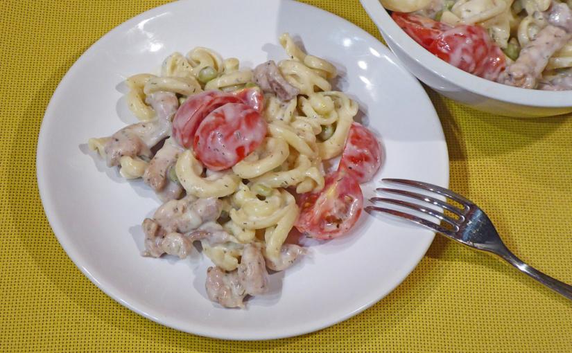 Těstovinový salát skuřetem | Lehká večeře