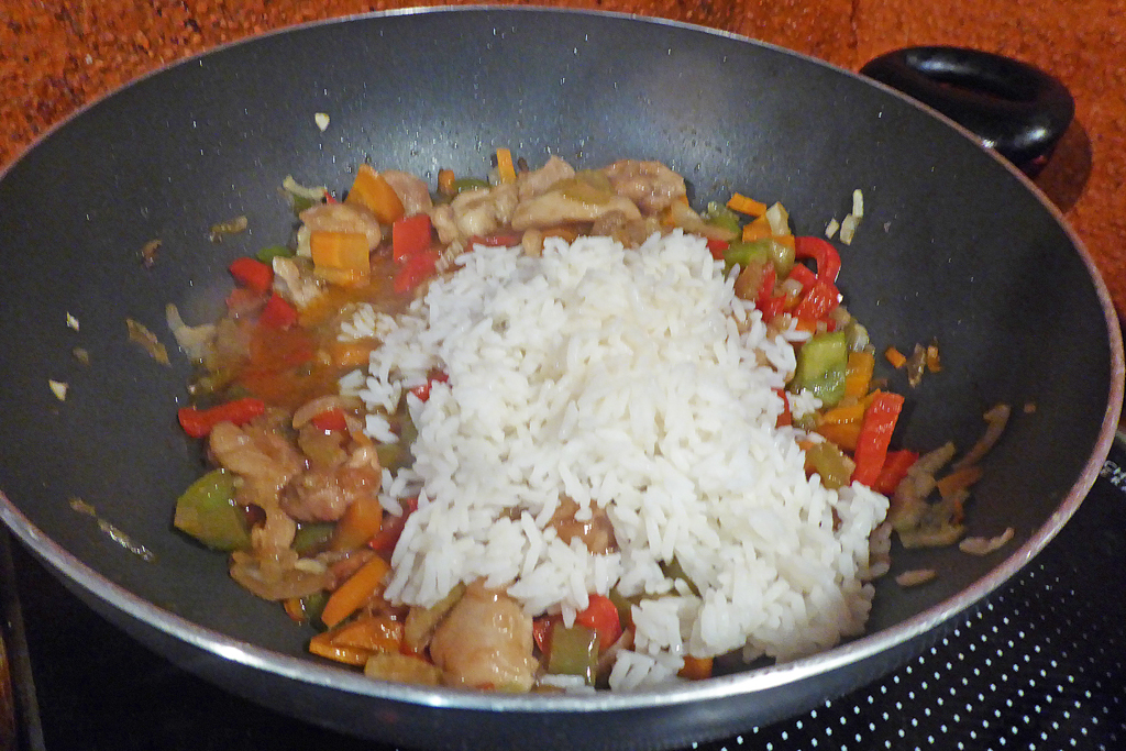 Přidáme vařenou rýži