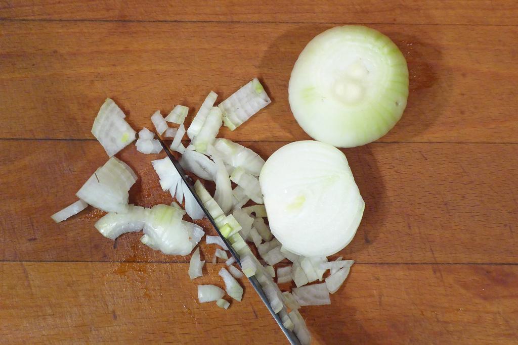 Nakrájíme cibule