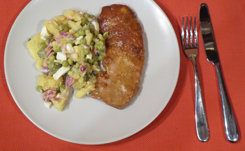 Přírodní vepřový řízek | Svídeňským bramborovým salátem