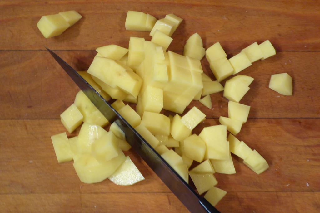 Nakrájíme brambory